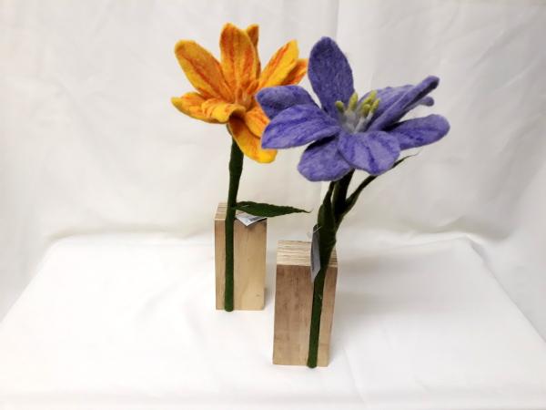 Bloemen van vilt, uit Nepal